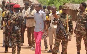 Siriri (sango nyelven béke) nevet viselő fegyveres csoport az egyik, melyek mögött feltételezhető kameruni személyek támogatása (Gamboula, 2017. december, Forrás:dr. Vogel Dávid)